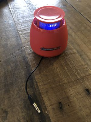 Portable Bluetooth speaker for Sale in Los Angeles, CA
