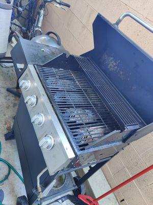Gas BBQ grill for Sale in Covina, CA