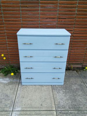Dresser 4 Drawer Painted Blue for Sale in Canby, OR