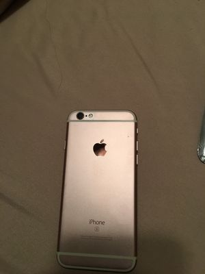 I phone6 s with two new cares and 2 used cases and new screen protector Charger and earbuds for Sale in Greenacres, FL