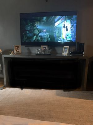 Console table OLY for Sale in Queens, NY