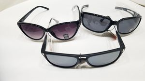 Sun glasses 3ct-24ct brand new resale ready or a bargain for Sale in Lombard, IL