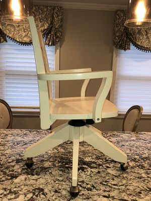 Pottery barn swivel desk chair -white for Sale in Maryland Heights, MO