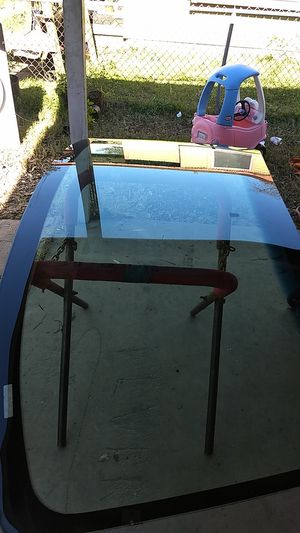 03-07 Ford f250 350.. front windshield for Sale in Austin, TX