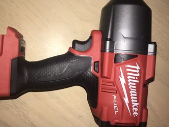 MILWAUKEE M18FUEL 1/2 INCH IMPACT for Sale in Everett,  WA