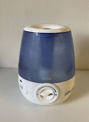 Vick's air humidifier purifier for Sale in Vista, CA