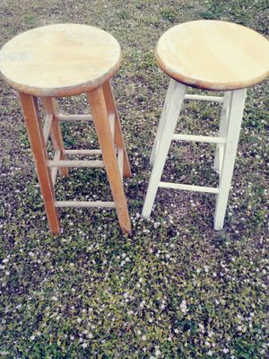 2 solid wood bar stools.29 inches tall for Sale in Fort Myers, FL