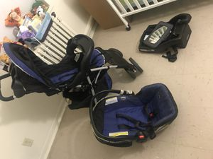 Car seat,stroller, and mirror set for Sale in Boston, MA