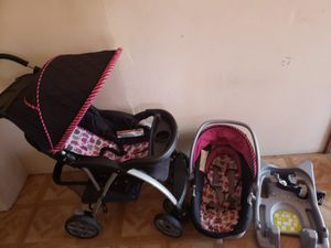 Stroller and car seat with base for Sale in Los Angeles, CA