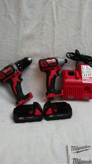 Cordless 1/2 drill driver .charger and 2 battery 18v. 1.5 for Sale in Colton, CA