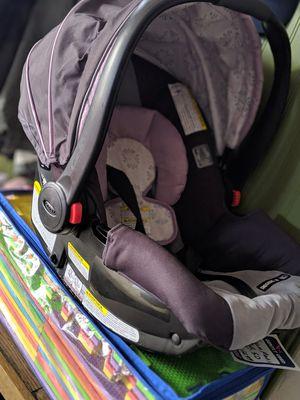 Graco SnugRide 30 Click Connect Infant Car Seat for Sale in Denver, CO