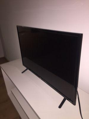 24 inch roku tv for Sale in Philadelphia, PA
