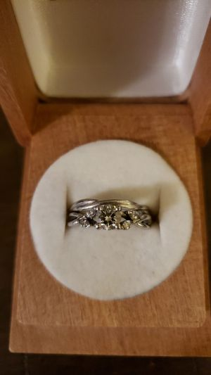 Engagement ring/wedding band set Size 5.25 for Sale in Pittsburgh, PA