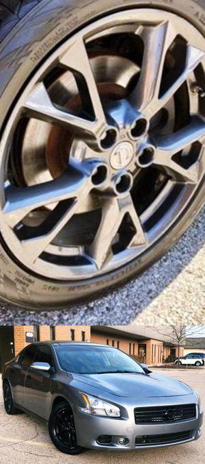 $1200 Nissan Maxima for Sale in San Antonio, TX