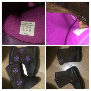 Girl's size 12 Stride Rite boots, NEW for Sale in Wheeling, IL