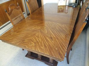 Table and chairs for Sale in Butte, MT