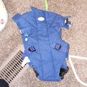 Baby Carrier for Sale in Milton, FL