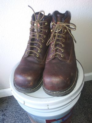 Red wing steeltoe size 11.5 boots for Sale in Houston, TX