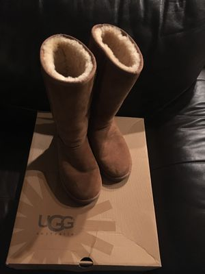 Ugg women's tall boots-brown for Sale in Diamond Bar, CA