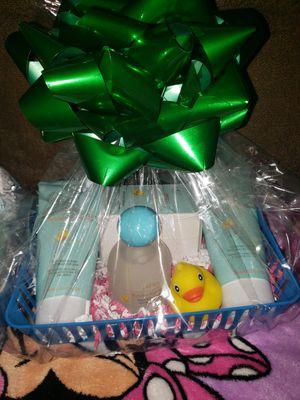 Paquete de perfume para bebe y caballero. De jafra disponibles 55 cada set for Sale in District Heights, MD