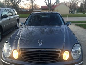 2005 Mercedes Benz E-500 Sedan 4D $5000 or best offer for Sale in MONTGMRY, IL