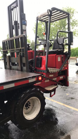 Commercial flatbed truck for Sale in Florissant, MO