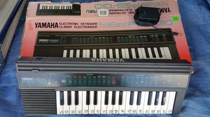 Yamaha PSS-130 Electronic Keyboard for Sale in Avondale, AZ