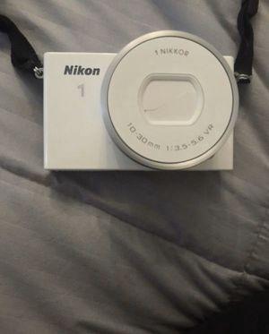 White Nikon J4 for Sale in Battle Ground, WA
