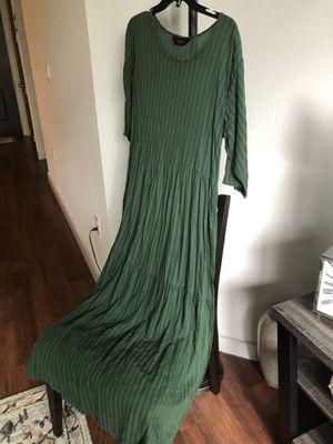 Beautiful women's long dress size M / NEW for Sale in Houston, TX