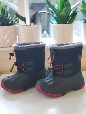 Kids Snow Boots Size 10.5 Toddler for Sale in Seattle, WA