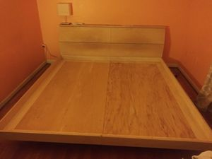 FREE King size platform bed for Sale in Calverton, MD