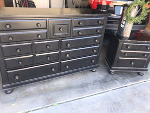 Big dresser and nightstand for Sale in Mesa, AZ