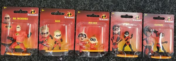 Disney The Incredibles Family Set of 5 Mini Collectible Figurines