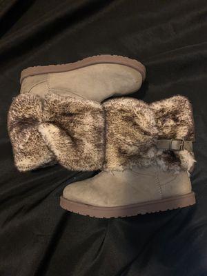 Brown fur boots for Sale in Detroit, MI