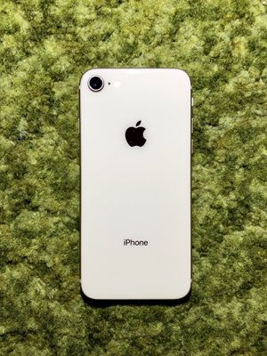 iPhone 8 | 64GB | Gold | A1863 | CDMA & GSM Unlocked for Sale in Anaheim, CA