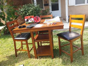 Kitchen table, bar table for Sale in Sacramento, CA