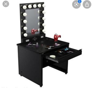 VANITY GIRL HOLLYWOOD BROADWAY LIGHTED VANITY MAKEUP MIRROR & DESK SET for Sale in Canby, OR