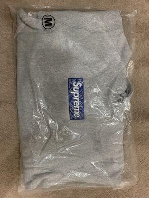 Supreme Bandana Box Logo Hoodie for Sale in Lawndale, CA