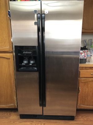 Whirlpool stainless steel fridge for Sale in Colton, CA