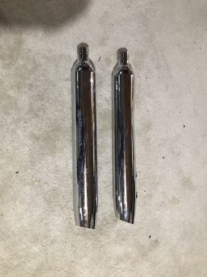 Harley Davidson, 103 chrome air cleaner assembly and stock exhaust pipes. Like new. for Sale in Sugar Grove, IL