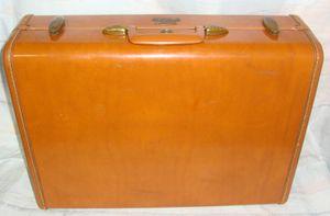 """Samsonite vintage Shwayder Bros Denver hard shell suitcase. 21"""" for Sale in Los Angeles, CA"""