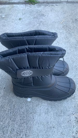 Kids snow boots for Sale in Garden Grove, CA