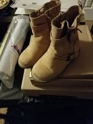 Lil girls boots ( size 7) for Sale in Ellenwood, GA