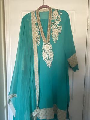 Custom Anarkali Suit from India, hand embroidery, shawl & pants, fits W16-18 for Sale in Henderson, NV