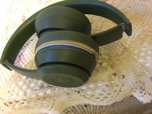 Beats Solo 3s Dark Green for Sale in Philadelphia, PA