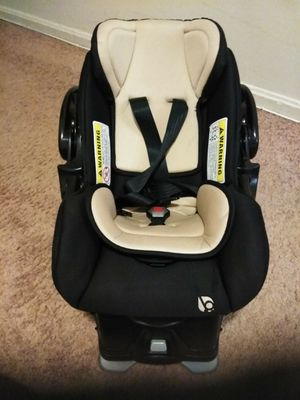 Baby Trend infant car seat with base for Sale in Hyattsville, MD
