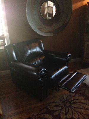 Leather set excellent condition for Sale in Franklin, TN