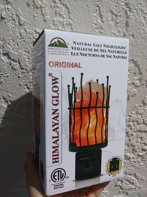 Himalayan sea salt nightlight/lamp. New in box for Sale in Fort Myers, FL