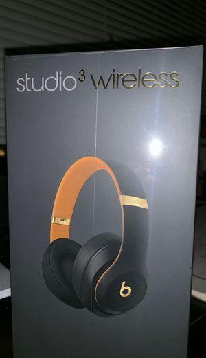 Beats studio 3 wireless for Sale in Bloomington, MN