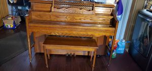 Piano excellent condition for Sale in Norfolk, VA